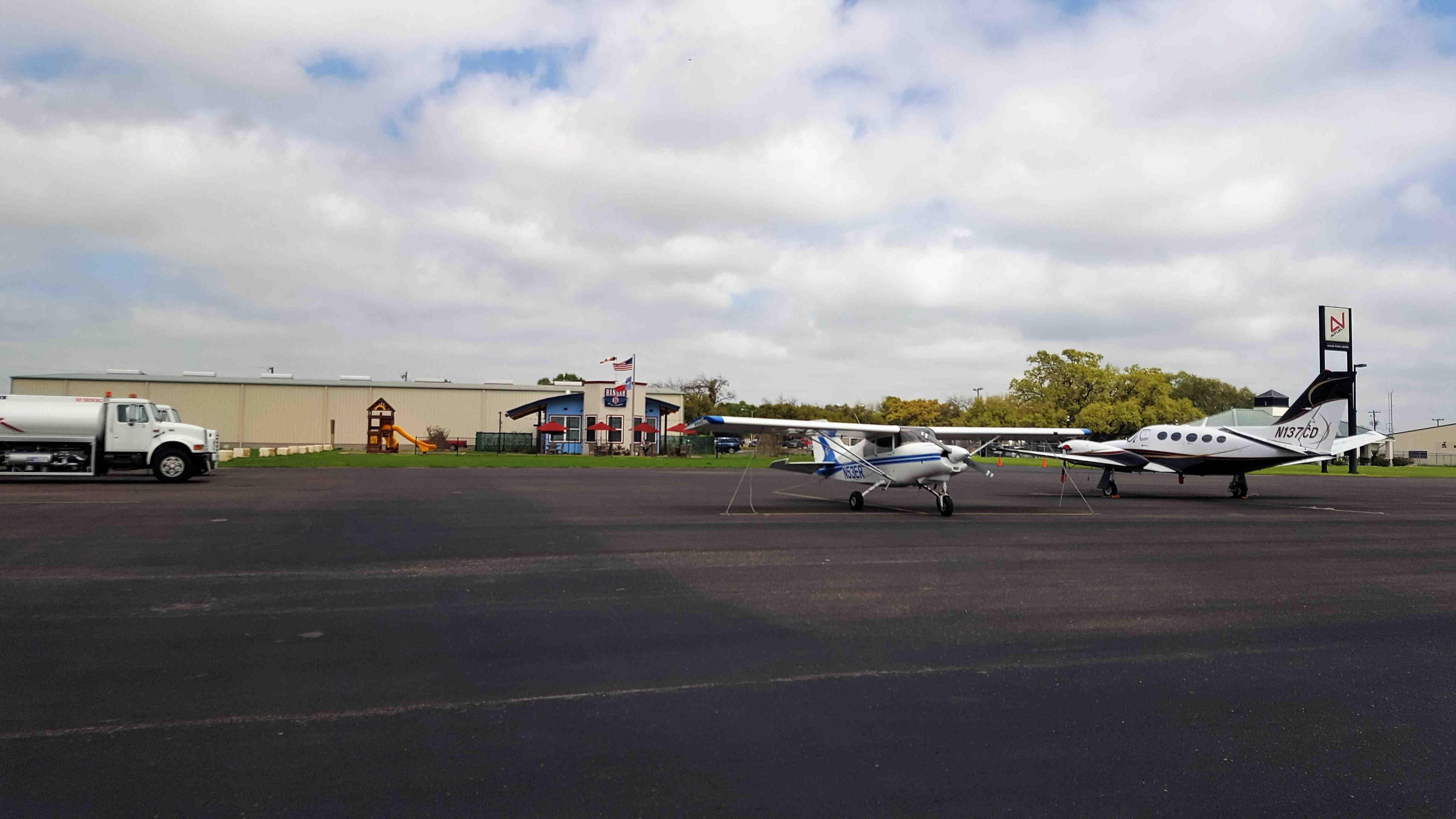 Hangar 6 Cafe